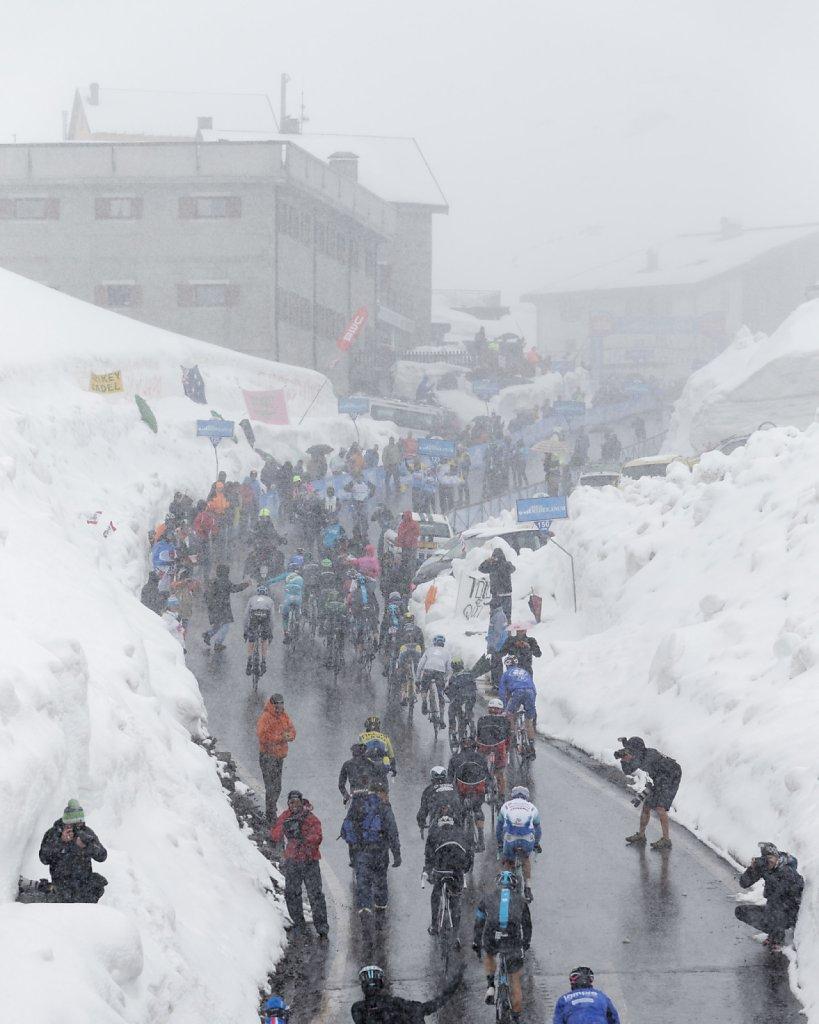 Giro-D-Italia-Stilfser-04272014-0391-DxO.jpg