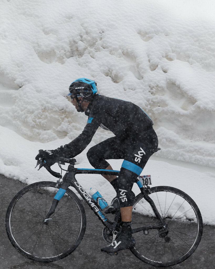 Giro-D-Italia-Stilfser-04272014-0309-DxO.jpg